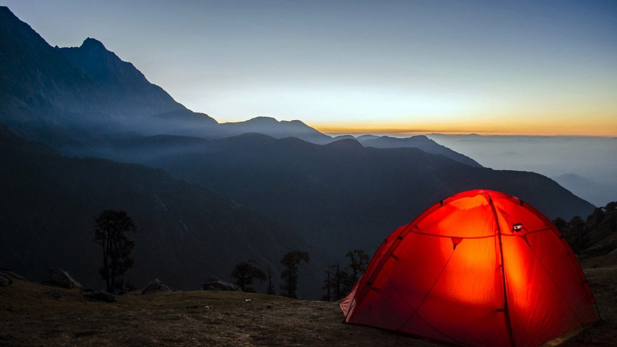 Best camping blankets in 2021 – featured image